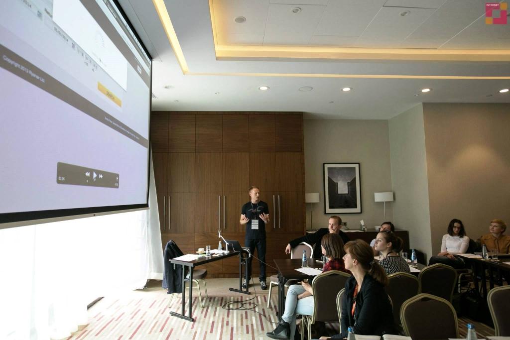 Ecommerce Standard 2014 - Jacek Popko z Usability LAB prowadzi warsztaty o związkach usability  z konwersją